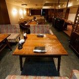 〈居心地良いお席〉 多彩なテーブル席は女子会・合コンにも最適