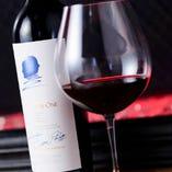 ワインやシャンパンなどお肉に合うお飲み物が豊富にございます。