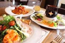 【pranzo 3】選べるパスタと自慢のメイン料理 自慢のバーニャカウダ、前菜盛り合わせ デザート等