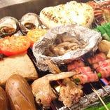 海鮮など素材も豊富!自慢の炉端焼は280円(税抜)~ご用意