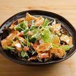 カリカリチーズのシーザーサラダ