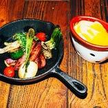 バーニャカウダも窯焼きでほっくりとした食感を楽しめます