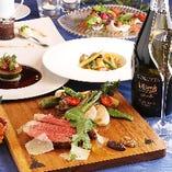 記念日プランのメインは、フランス産シャロレ牛のビステッカ(ステーキ)