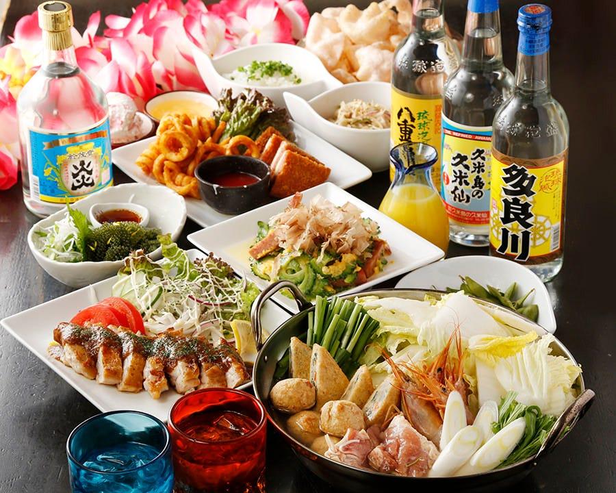 沖縄料理を大皿で堪能!名物ずらり