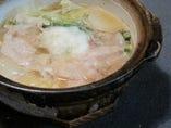 【たらと豚シャブのとろろ子鍋】あっさり味でどうぞ。