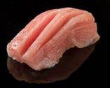 新鮮な魚介類を店主が目利きしご提供しております。