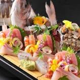 〈お造り〉こだわりの刺盛りには常に季節で一番の旬魚を使用