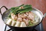 発芽にんにくを使用した塩ベースのもつ鍋