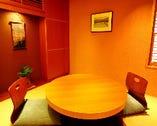カップルにも人気の個室。 3名様までご着席頂けます。