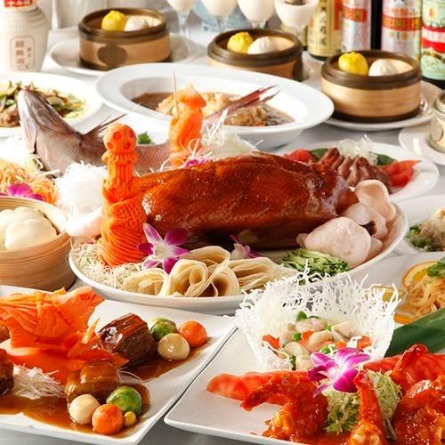 こだわりの食材を使ったお料理は 豪快に美しく盛り付けます