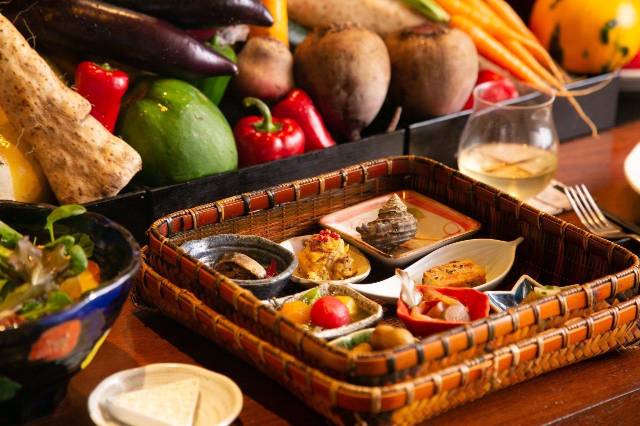 契約農家からの新鮮野菜 和とフレンチのいいとこどり鉄板料理