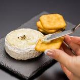 カマンベールチーズ丸ごとフォンデュ