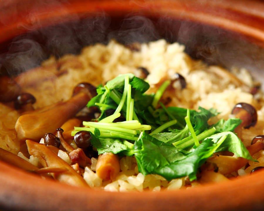 〆のお食事土鍋の炊き込みご飯。