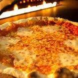 【お子様連れにも大人気】ピザ窯で焼く手作りピザの食べ放題実施中!