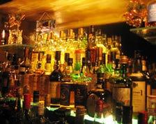 JAZZを聞きながらお酒を楽しめる空間