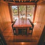 接待や少人数でのご宴会、法事、慶事にも使える大小個室