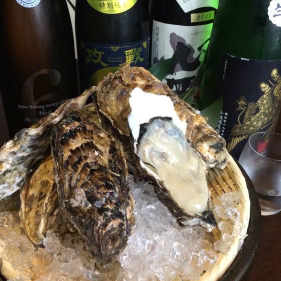 全国から届く厳選された音波自慢の牡蠣を日本酒とともにどうぞ!