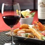 ワインも串カツに合うようにご用意しております。