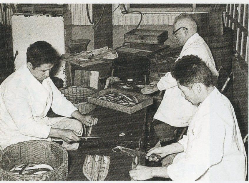 土浦駅前でうなぎと佃煮で約百年