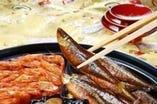 素材の持ち味を生かした浅煮きや炒り込みで丁寧に仕上げてます。