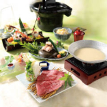 接待やお顔合わせに。料理長厳選の季節食材を使用した会席コース。