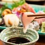 銚子や全国から厳選された鮮魚の刺身は絶品