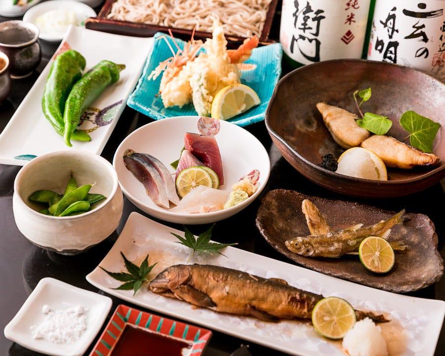 本格手打ち蕎麦と旬を味わえる贅沢なコースは4,000円(税込)~