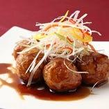 濃厚な風味があり香り高い鎮江黒酢の酢豚。絶品です!