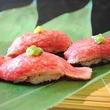 神戸牛の肉寿司 他にも天ぷらなどの逸品メニュー