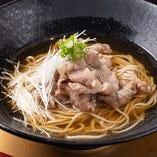 ここでしか楽しめない神戸牛の肉そばも是非!