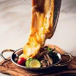 三浦野菜とソーセージのオーブン焼き とろとろラクレットチーズがけ