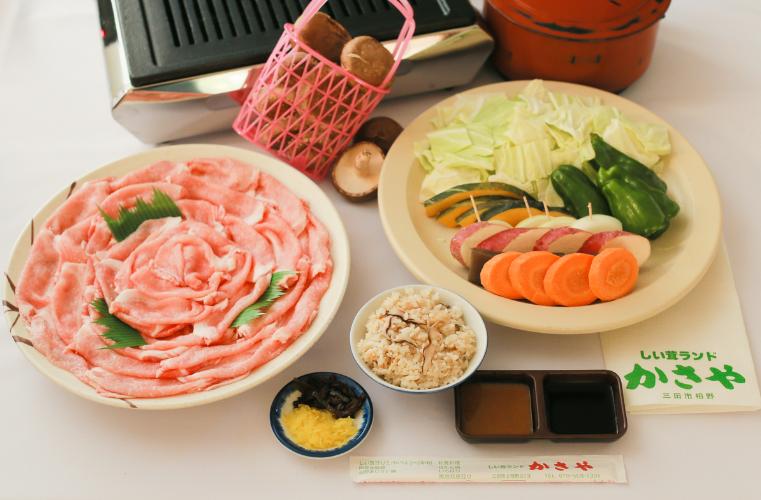 椎茸狩り&豚肉バーベキューコース