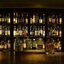 常時約300種類のお酒をご用意
