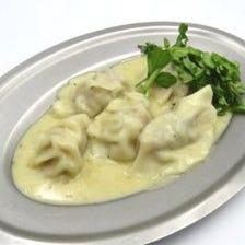 イタリアン水餃子 アンチョビバターソース