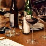 昼は定食、夜は創作田舎料理とナチュラルなワイン