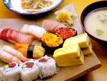 牡丹にぎりセット(汁・サラダ付)