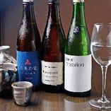 地酒は、地元・滋賀県の銘柄を中心に。ワイングラスでも