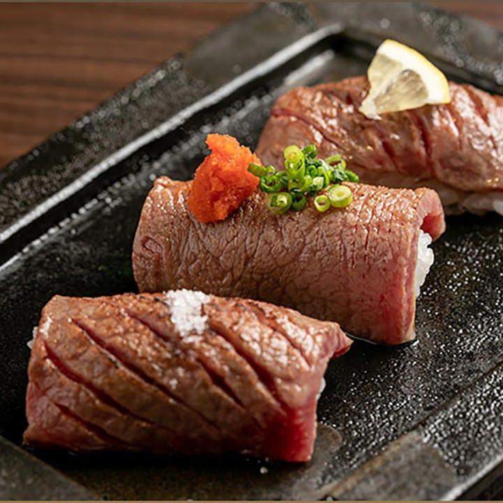 風味豊かに炙ったとろける肉寿し