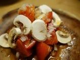 トマトとマッシュルームのサラダ