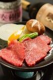 黒毛和牛と焼き野菜の直火陶板焼き