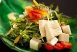 生湯葉と旬野菜のサラダ