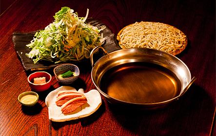 (冬季限定)丹想庵特製鴨浄撰鍋。お野菜も豊富で絶品です。