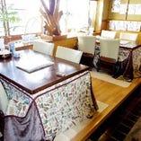 個室のほか、カウンター席や小上がり席もご用意しております。