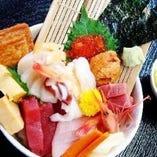 豊洲から仕入れる、新鮮な魚介を使用した美味しい料理の数々!