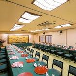 〈大広間〉最大100名様までお過ごしいただける大宴会場です。(1階)