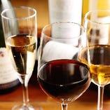 当店の安楽牛に合うワインは、赤、白、泡と各種揃っています