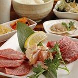 ランチタイムでも美味しいお肉が味わえます「選べるレディースプレート」