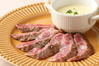国産高級銘柄、黒毛和牛サーロインのステーキ またはたたき わさび添え