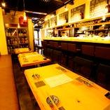 【テーブル席】ソファーシートのテーブル席は宴会にもOK!