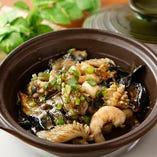カキと季節の野菜ピリ辛鉄板焼き